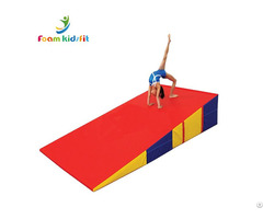 "71""x35""x16"" Cheese Wedge Gymnastic Folding Incline Mat"