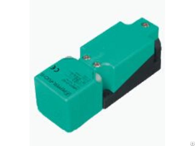 P F Inductive Sensor Nbn40 U1 A2 T