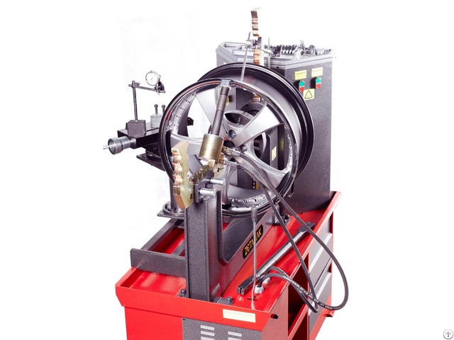 Wheel Straightening Machine