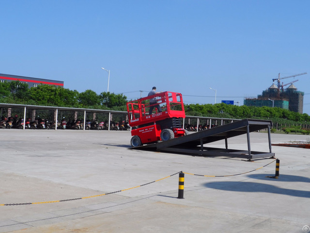 Self Propelled Scissor Lift Xd120rt