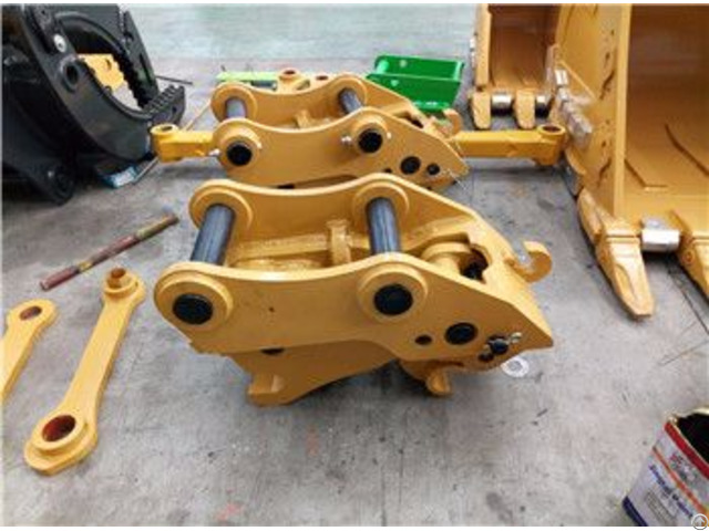 Fast Changes Of Excavator Attachments Hydraulic Quick Hitch