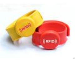 Noctilucous Silicone Uhf Rfid Chip Wristband Long Range For Amusement Park