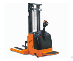 Xek Electric Straddle Stacker