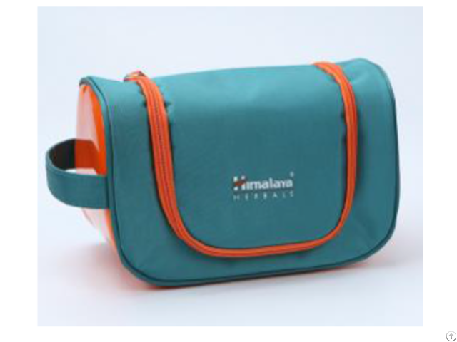 Essential Travel Cosmetic Bag With Hanger