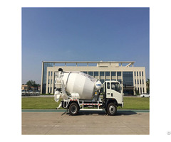 Hot Selling Cnhtc Chassis 5cbm Concrete Mixer Truck Manufacturer